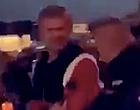 Foto: 🎥 Bizarre beelden: woedende Haaland wordt hardhandig de kroeg uitgegooid