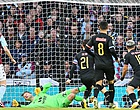 Foto: Aston Villa-speler hekelt Premier League-hervatting: 'Geld is motief'