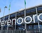 Foto: Feyenoord-directeur legt gehekelde mondkapjesplicht uit