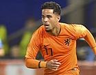 Foto: Kluivert wijst naar Ajax: 'Voor mijn gevoel is het een heel groot verschil'