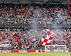 Foto: PSV-fans zetten vraagtekens bij coronaregels: 'Flauwekul'