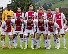 'Meedenkend Ajax stuurt twee spelers naar de uitgang'