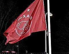 """Ajax-fans zien pijnlijke trend: """"Die kan er toch helemaal niks van"""""""