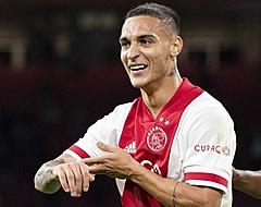 Tiental Ajax overleeft rode kaart Álvarez