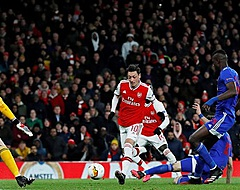 Olympiakos stunt en gooit Arsenal uit Europa League