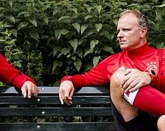 FOTO: KNVB onthult standbeeld van Bergkamp