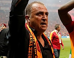 Galatasaray-coach viert behaalde titel met screenshot NOS Teletekst