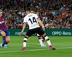 🎥 Vader De Jong kan geluk niet op na eerste goal voor Barça