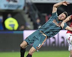 Boadu schiet AZ in blessuretijd langs Ajax: derde Amsterdamse nederlaag op rij