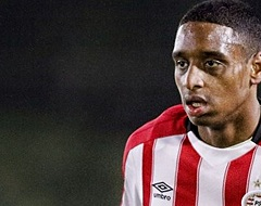 PSV-talent klaar voor clash met broertje: 'Ga hem hard aanpakken'