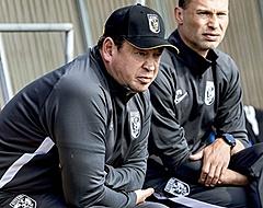 Vitesse-trainer Slutsky laat zich duidelijk uit over Ajax en PSV