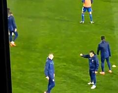 🎥 Publiekslieveling Burger zingt met Feyenoord-fans tijdens de warming-up
