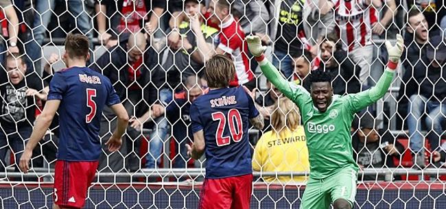 Foto: Ajax-fans schreeuwen om vertrek: