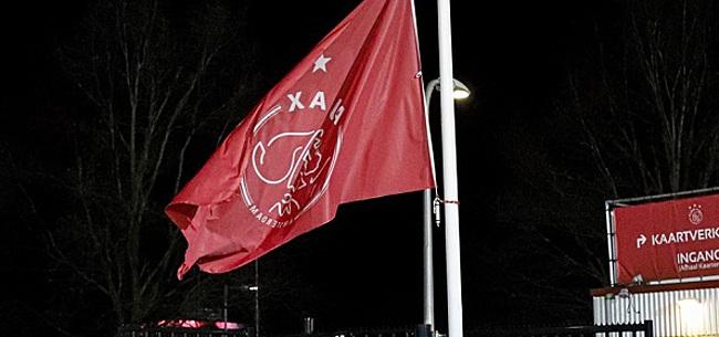Foto: Ajax-fans zien pijnlijke trend: