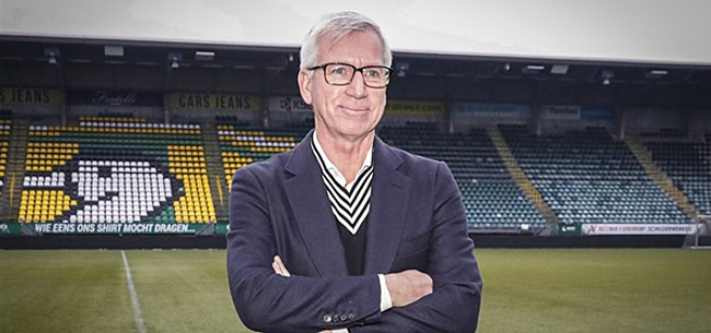 Foto: 'ADO-trainer Pardew haalt Belgische versterking op in Engeland'