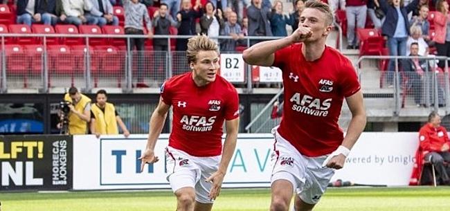 Foto: Gudmundsson zorgt ervoor dat AZ de druk nog enigszins op Feyenoord houdt