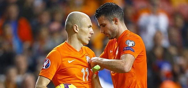 Foto: Van Persie denkt niet aan Ronaldo of Messi voor Gouden Bal