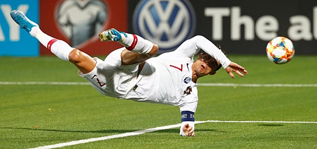 Foto: Nijhuis had onderonsje met Ronaldo: 'Scheids, die goal is toch wel van mij, hè?'