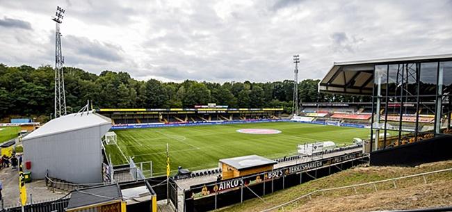 Foto: Opvallende oproep aan thuissupporters bij VVV-Ajax