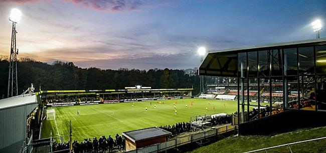 Foto: Meegereisde PSV-fans al voor de aftrap woest op VVV: 'Schandalig!'