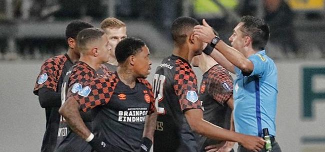 Foto: Higler legt uit: 'Daarom moesten wij een mooie goal helaas afkeuren'
