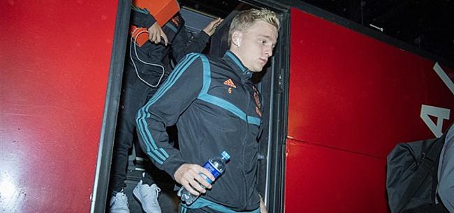 Foto: Van de Beek baalt: 'Sneu, ook voor ons als team'
