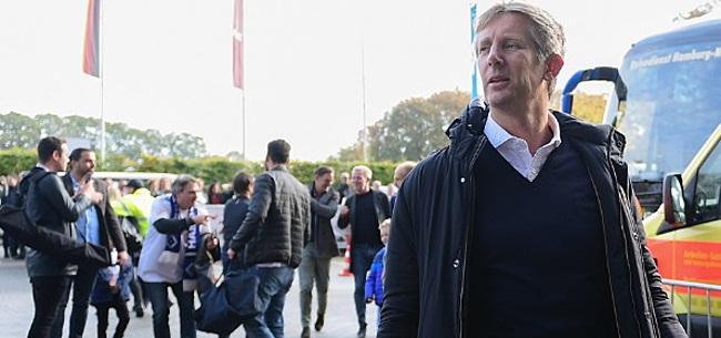 Foto: Van der Sar haalt uit naar critici: 'Makkelijk scoren over de rug van Ajax'