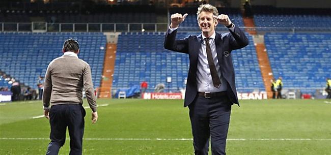 Foto: Van der Sar laat zich uit over toekomst Overmars en Ajax-spelers