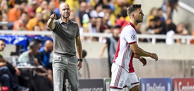 Foto: Ajax-fans eisen ingreep van Ten Hag: