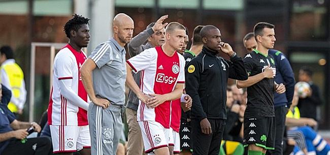 Foto: Ajax-fans zien lichtpuntje ondanks verlies: