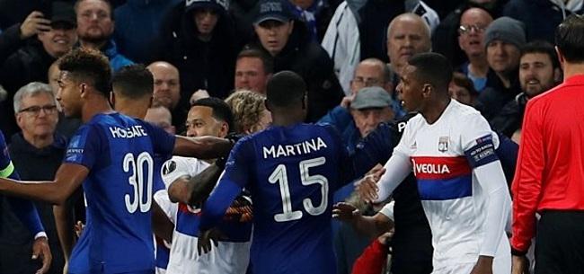 Foto: VIDEO: Man met kind gaat los bij Everton - Lyon