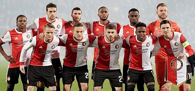 Foto: Feyenoord staat stil bij overlijden De Leeuw: rouwbanden in Heerenveen