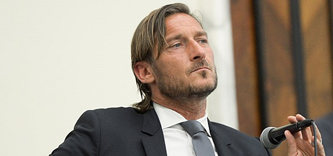 Foto: AS Roma hekelt Totti: