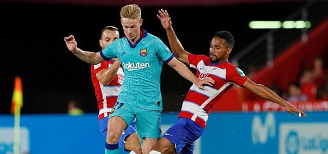 Foto: Barcelona-fans zijn er he-le-maal klaar mee: 'Oprotten'