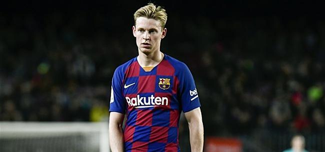 Foto: De Jong keek 'gefrustreerd' naar Ajax: 'Echt irritant om naar te kijken'