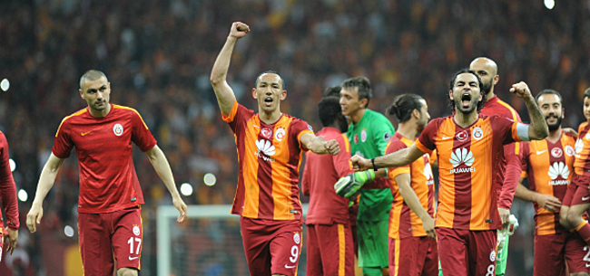 Foto: 'Cocu belt hoogstpersoonlijk met Galatasaray: 7 miljoen, take it or leave it'