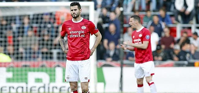 Foto: Kijkers PSV-Heracles geloven hun ogen niet: 'Bizar gewoon'