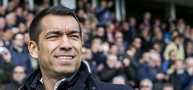 Foto: Van Bronckhorst reageert op omstreden beslissing