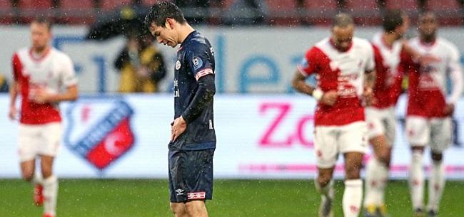 Foto: Koploper PSV loopt na dubieuze VAR-momenten tegen puntenverlies aan in Utrecht