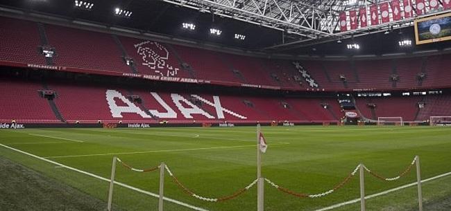 Foto: Supportersvereniging Ajax hekelt clubleiding: 'Kilheid moet doorbroken worden'