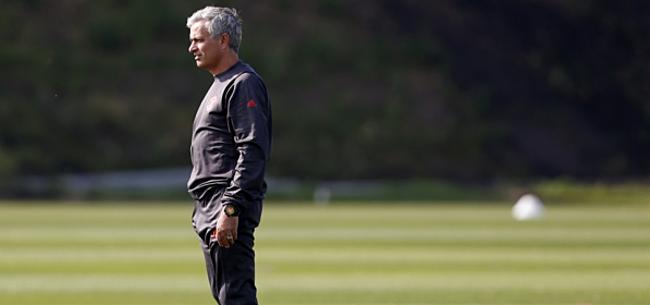 Foto: Mourinho negatief over fans Manchester United