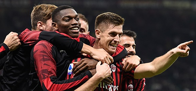 Foto: AC Milan en AS Roma maken statement na racistische cover