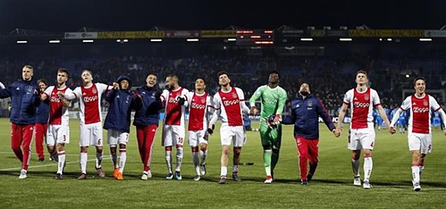 Foto: Ajax-fans doen het in hun broek: 'Blijf in godsnaam'