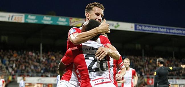 Foto: FC Emmen verslaat ADO Den Haag en passeert ze op de ranglijst