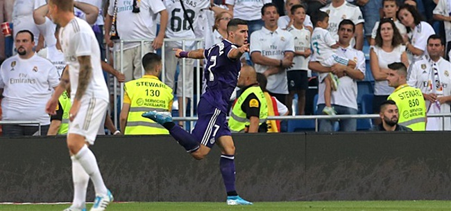 Foto: Real Madrid loopt in Bernabéu tegen de lamp tegen Real Valladolid