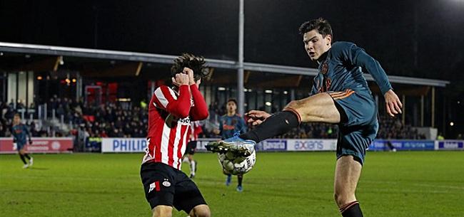 Foto: Jong Ajax grijpt naast koppositie door remise tegen Jong PSV
