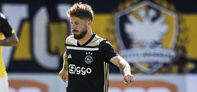 Foto: VIDEO: Schöne schiet Ajax naar 1-4 met geniale vrije trap