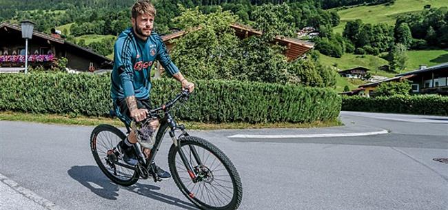 Foto: Schöne oogst gelijk lof in Genoa: 'Kunnen zien dat hij van Ajax komt'