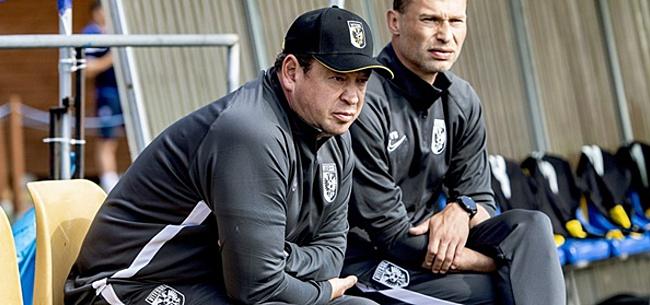 Foto: Vitesse-trainer Slutsky laat zich duidelijk uit over Ajax en PSV
