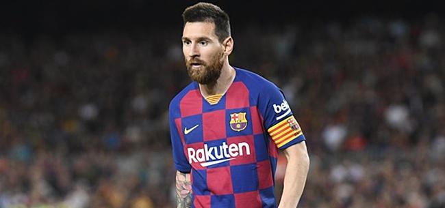 Foto: Messi krijgt Gouden Schoen uitgereikt door zoons: